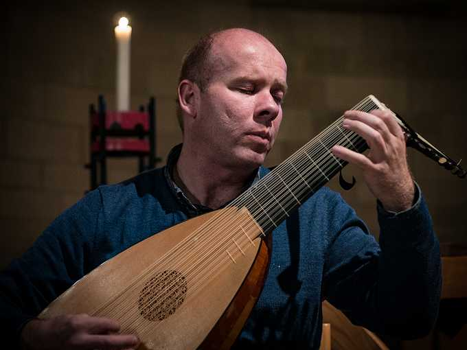 Lute in the Barn: Matthew Wadsworth Lute and Theorbo